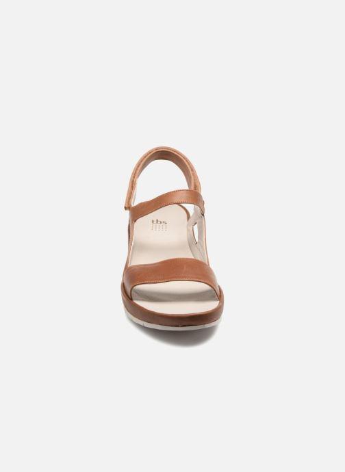 Sandali e scarpe aperte TBS Louloup-A7146 Marrone modello indossato