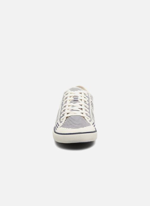 Sneakers TBS Violay--X7C97 Bianco modello indossato