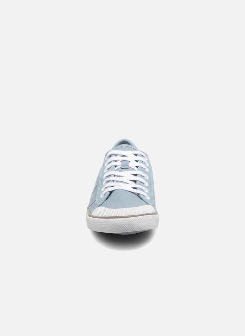 Sneakers TBS Violay--R7102 Azzurro modello indossato