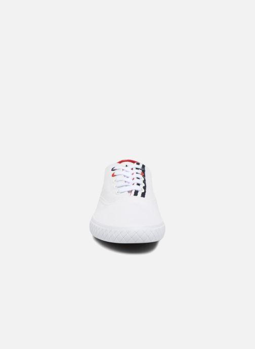 Sneakers TBS Polshoe-Q8007 Bianco modello indossato