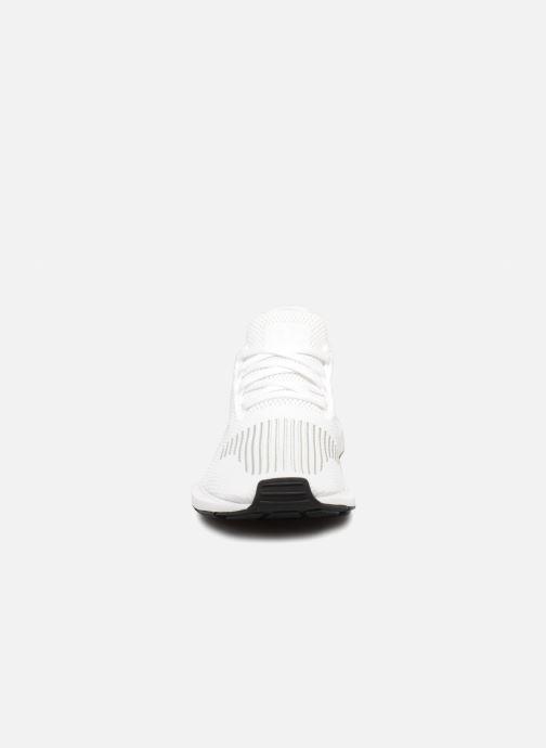 Sneaker adidas originals Swift Run J weiß schuhe getragen