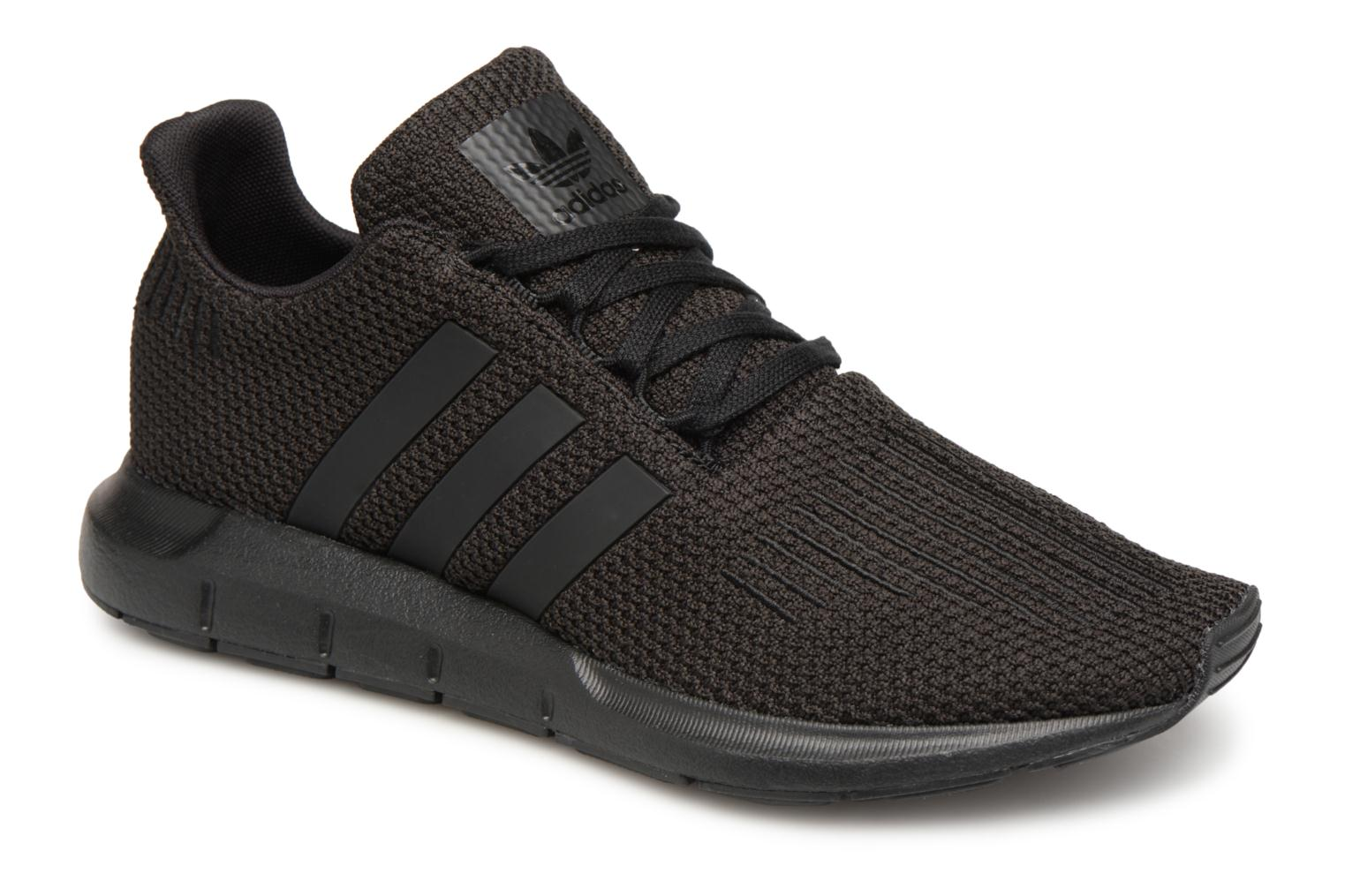 Baskets Adidas Originals Swift Run J Noir vue détail/paire
