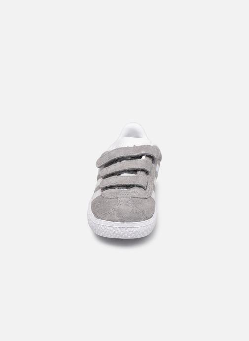 Baskets adidas originals Gazelle Cf I Gris vue portées chaussures