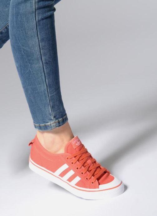 Deportivas adidas originals Nizza J Rojo vista de abajo