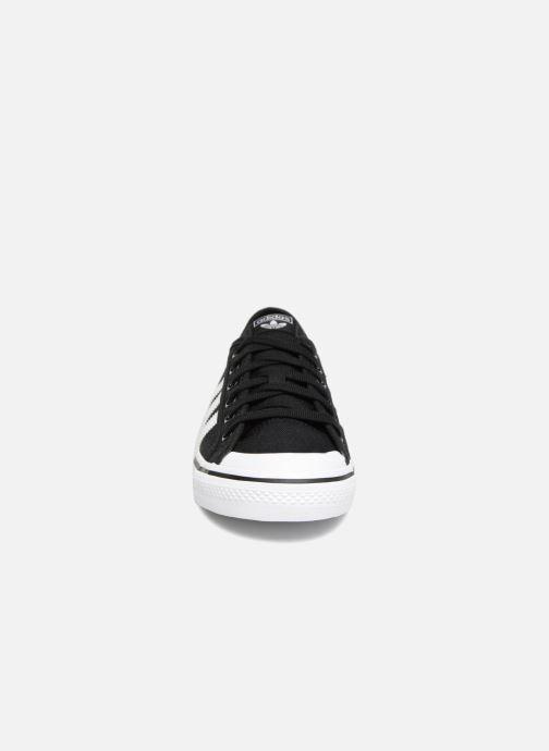 Trainers adidas originals Nizza J Black model view