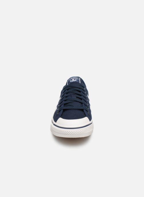 Baskets Adidas Originals NIZZA Noir vue portées chaussures