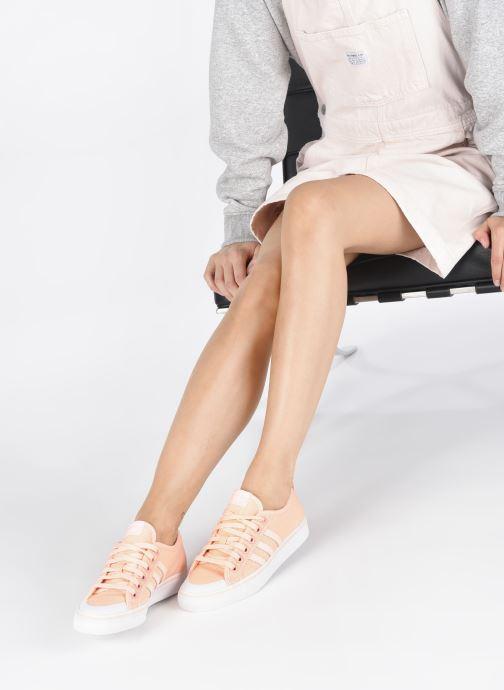 Baskets adidas originals NIZZA W Orange vue bas / vue portée sac