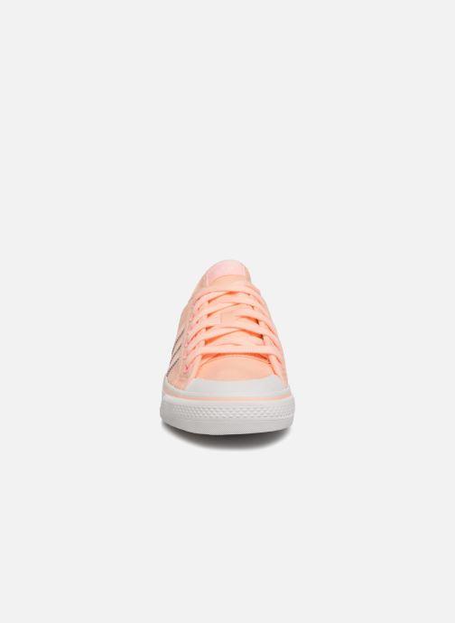 Baskets adidas originals NIZZA W Orange vue portées chaussures