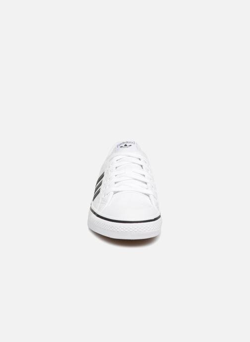 Baskets adidas originals NIZZA W Blanc vue portées chaussures