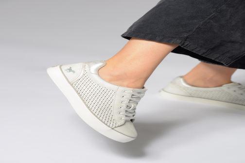 Baskets Mustang shoes Argia Beige vue bas / vue portée sac