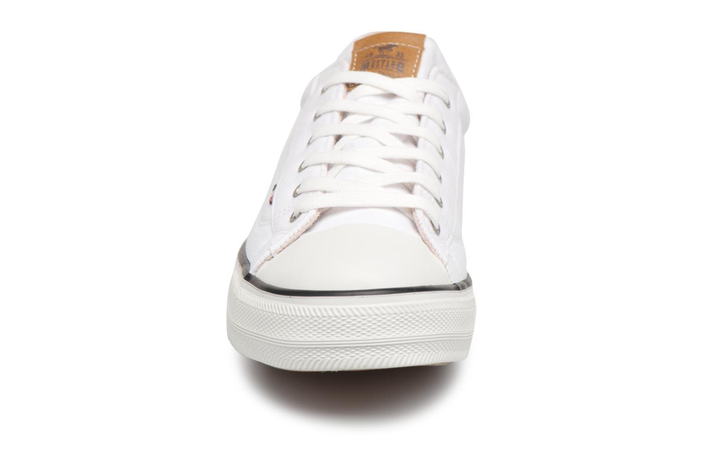 Baskets Mustang shoes Fanchi Blanc vue portées chaussures
