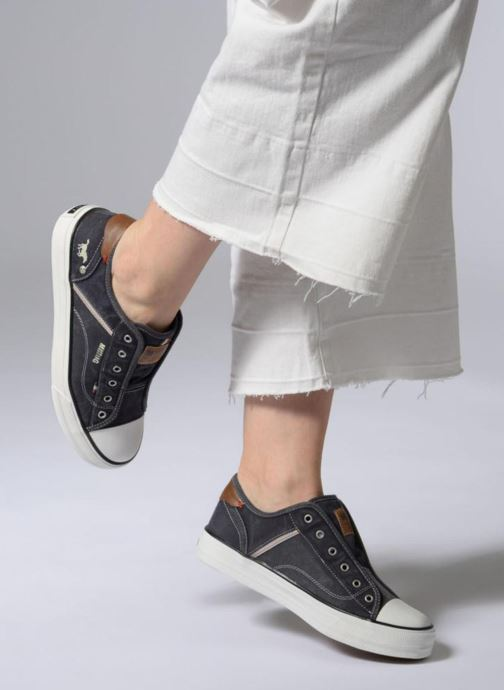 Baskets Mustang shoes Bramanda Bleu vue bas / vue portée sac