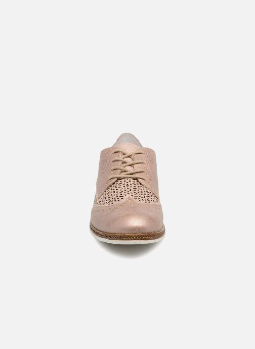 Zapatos con cordones Remonte Isa D2601 Beige vista del modelo