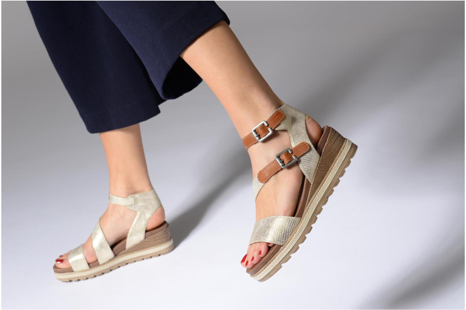 Sandals Remonte Idal D6351 Beige view from underneath / model view