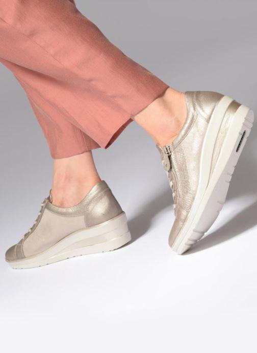 Sneaker Remonte Beryl R7206 beige ansicht von unten / tasche getragen