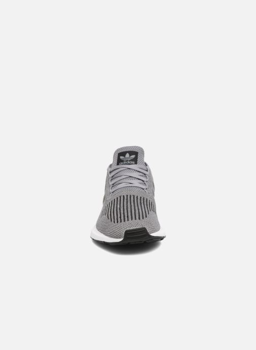 Sneaker adidas originals Swift Run grau schuhe getragen