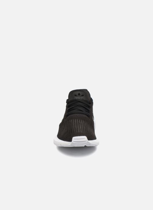 Sneakers adidas originals Swift Run Svart bild av skorna på