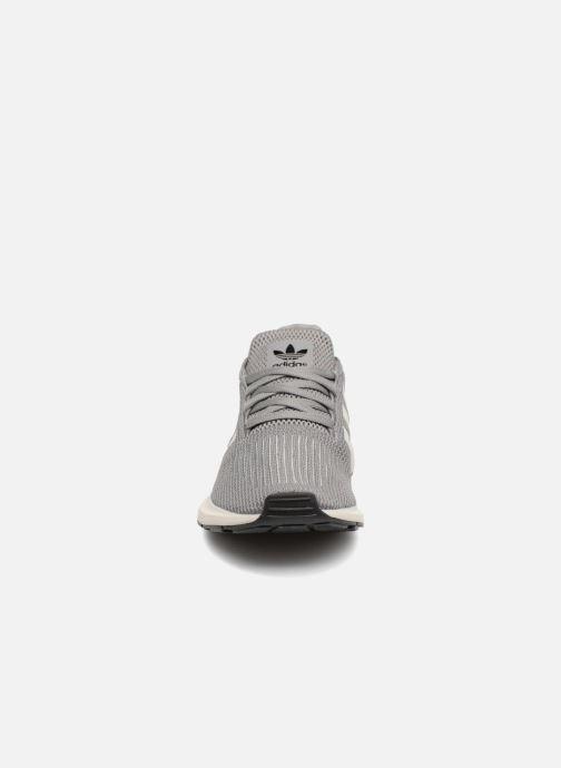 Sneakers adidas originals Swift Run Grå bild av skorna på