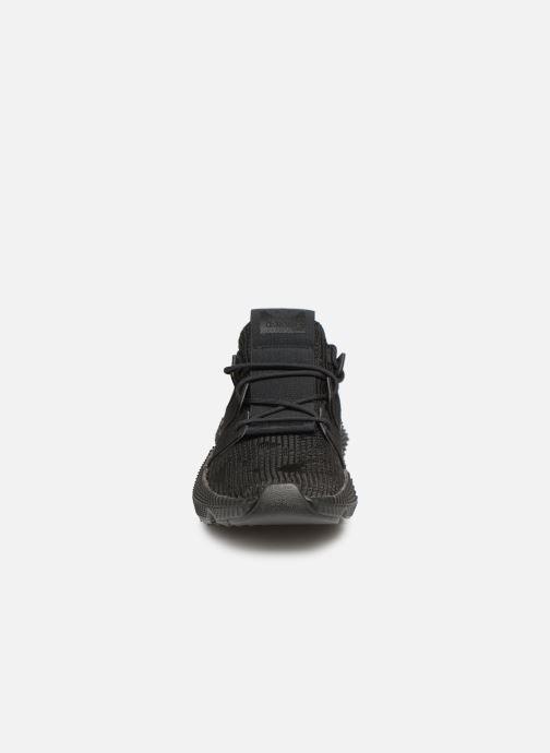 Deportivas adidas originals Prophere Negro vista del modelo