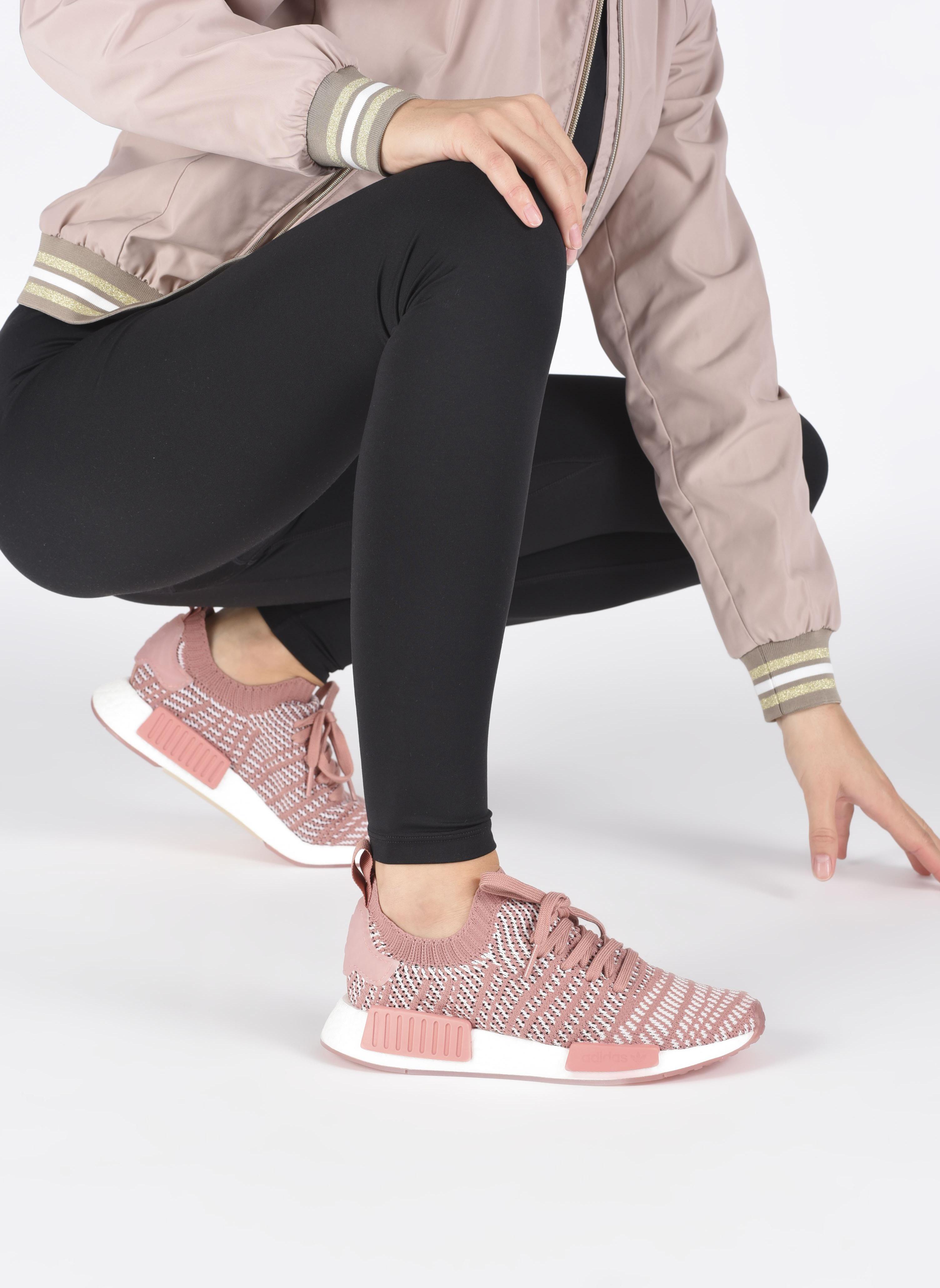 Baskets Adidas Originals Nmd_R1 Stlt Pk W Rose vue bas / vue portée sac