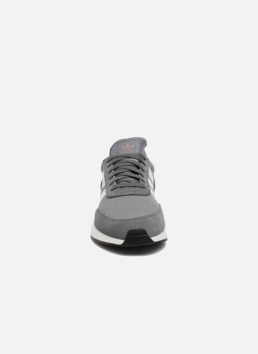 Sneaker Adidas Originals I-5923 grau schuhe getragen