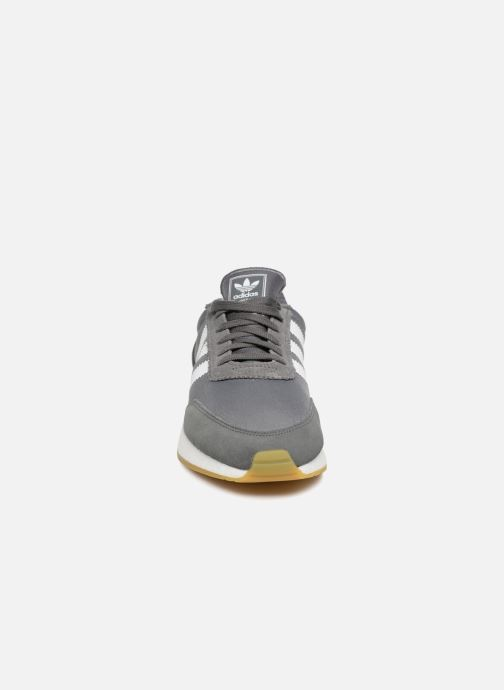 Sneakers Adidas Originals I-5923 Grigio modello indossato