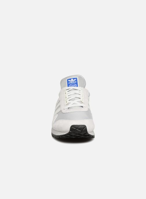 Trainers Adidas Originals New York Grey model view