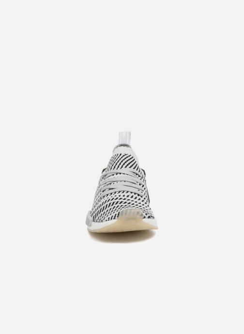 Sneakers adidas originals Nmd_R1 Stlt Pk Beige modello indossato