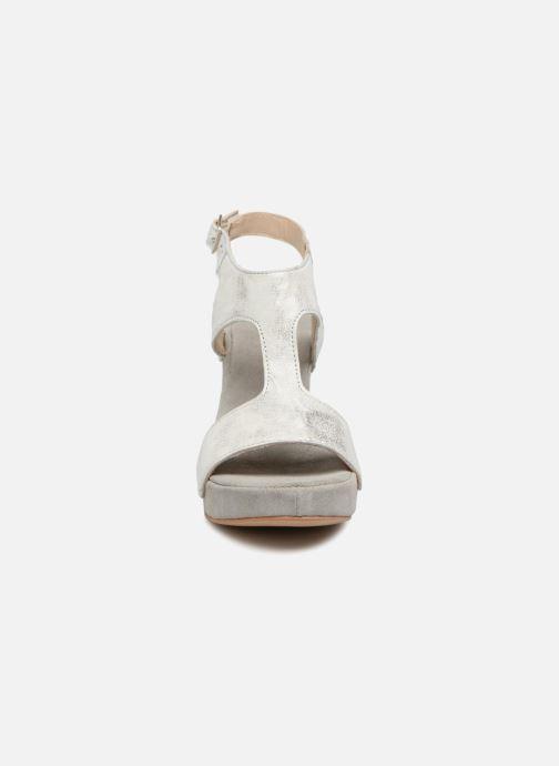 Sandales et nu-pieds Khrio Cara Gris vue portées chaussures