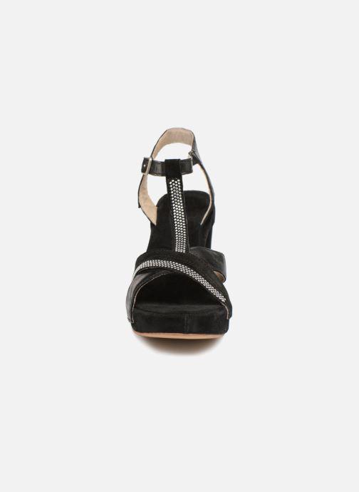 Sandales et nu-pieds Khrio Pila Noir vue portées chaussures