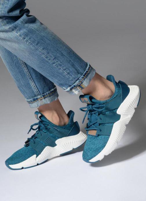 Baskets adidas originals Prophere W Bleu vue bas / vue portée sac