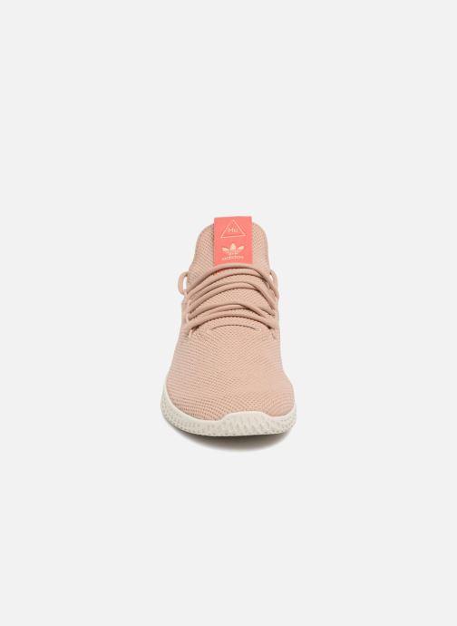 Baskets adidas originals Pharrel Williams TennisHu W Marron vue portées chaussures