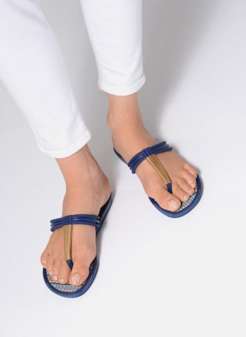 Flip flops Grendha Riviera II Thong Blue view from underneath / model view