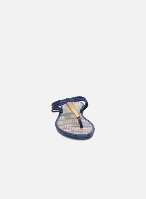 Tongs Grendha Riviera II Thong Bleu vue portées chaussures