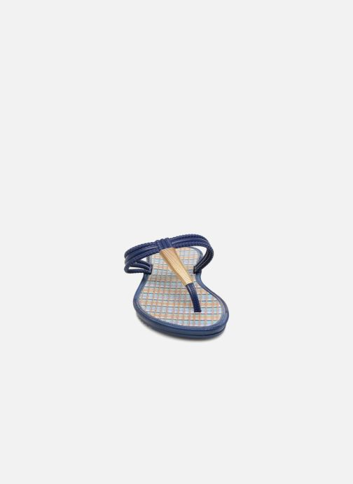 Zehensandalen Grendha Riviera II Thong blau schuhe getragen