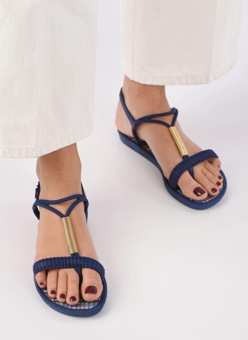 Sandales et nu-pieds Grendha Riviera II Sandal Bleu vue bas / vue portée sac