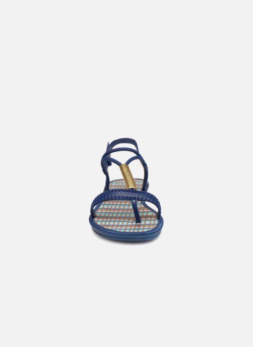Sandales et nu-pieds Grendha Riviera II Sandal Bleu vue portées chaussures