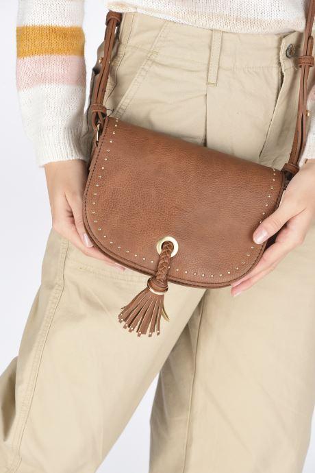 Handtaschen Georgia Rose Julia braun ansicht von unten / tasche getragen