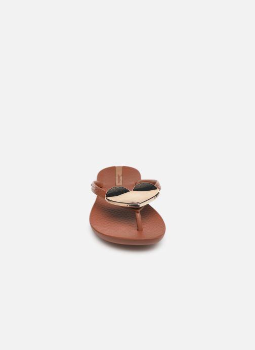 Tongs Ipanema Maxi Fashion II Marron vue portées chaussures