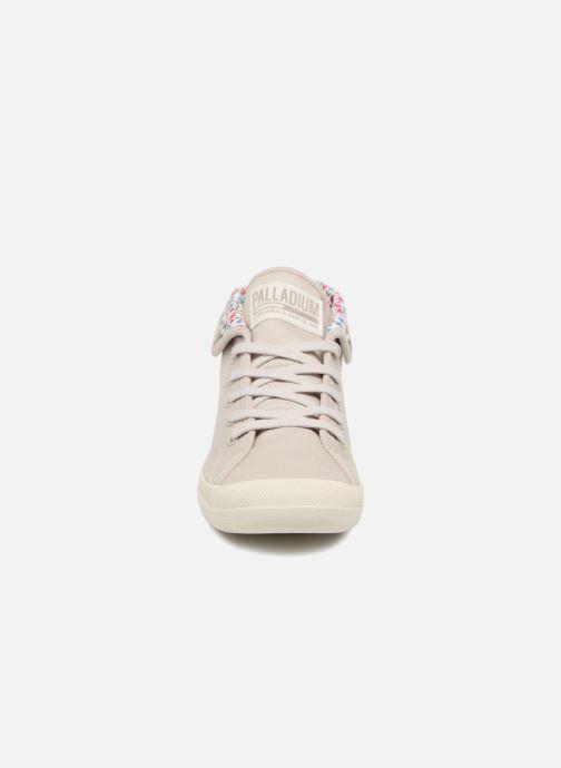 Sneakers Palladium Aventure Beige modello indossato