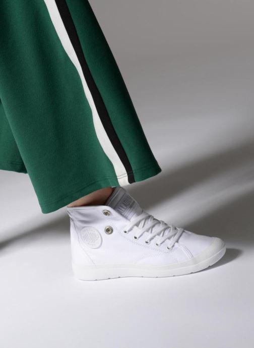 Baskets Palladium Aventure Blanc vue bas / vue portée sac