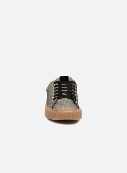 Sneakers Victoria Deportivo Metalizado Oro e bronzo modello indossato