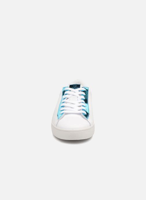 Sneakers Victoria Deportivo Piel Metalizado Azzurro modello indossato