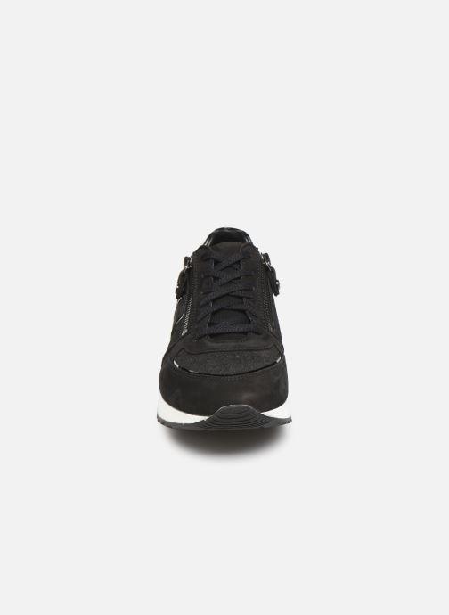Sneakers Mephisto Toscana Nero modello indossato