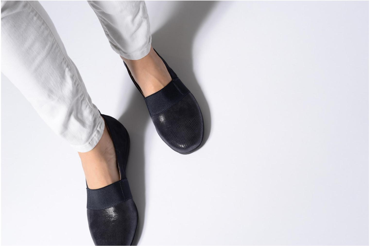 Loafers Caprice Manoa Blue view from underneath / model view