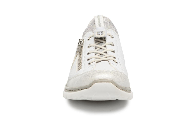 Sneakers Rieker Chaya L3263 Vit bild av skorna på