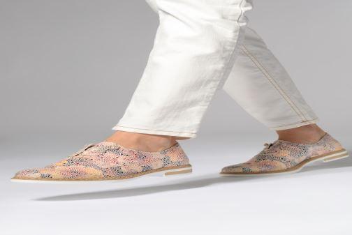 Chaussures à lacets Rieker Evana N0400 Multicolore vue bas / vue portée sac