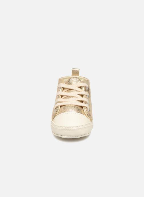 Chaussons Polo Ralph Lauren Hamptyn Hi Layette Or et bronze vue portées chaussures