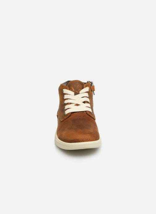 Chaussures à lacets Timberland Groveton Leather Chukka Kids Marron vue portées chaussures