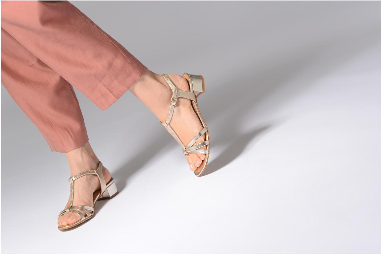 Sandales et nu-pieds Georgia Rose Luluana Or et bronze vue bas / vue portée sac